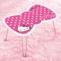 キティちゃんの可愛いリボン型テーブル。