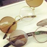 『ジョン・レノン ハネ上げサングラス』の画像