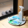 網戸掃除は専用グッズでラクして、「ついでダイエット」