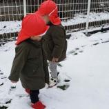 『初! 雪あそび』の画像