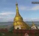 【衝撃】仏塔、川に流される