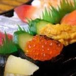 この女どんだけ寿司食うねんwwww