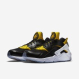 『公式画像 HUARACHE RUN CITY PACK』の画像