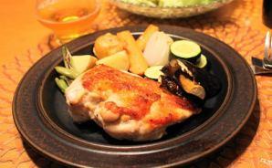 鶏胸肉を弱火で焼くだけの料理