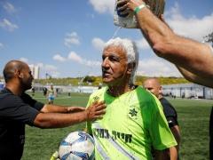 キングカズはまだまだ!? 75歳のプロサッカー選手、爆誕!