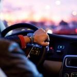 【悲報】若者の車離れが加速中