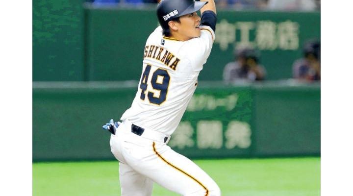 【 悲報?】巨人・石川選手、チーズバーガー食べまくって代打HR!