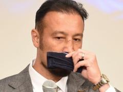 元日本代表DF・田中マルクス闘莉王、引退会見!「最も印象に残ってるのは南アW杯で駒ちゃんがPKを外した瞬間」