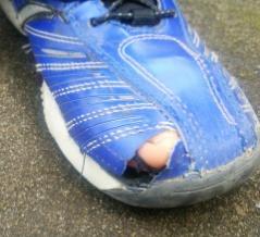 ぼろぼろの靴
