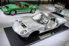ランボルギーニとポルシェが徹底的にレストアした歴史的モデルを公開