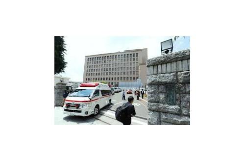 【衝撃】裁判所で裁判中に人が刺される・・・・・・・・・のサムネイル画像