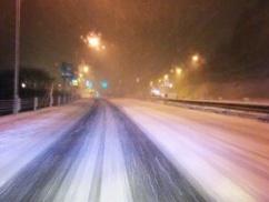 【強烈寒波】中国製の安物タイヤチェーンで雪道を走った結果wwwwwwww