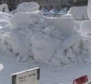 【悲報】さっぽろ雪まつりの雪像、溶けて壊れる