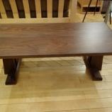 『飛騨高山のSWING社よりブラックウォールナット材のセンターテーブルが入荷』の画像