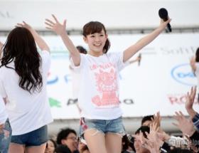 NMB48渡辺美優紀、ファンに駆け寄り笑顔