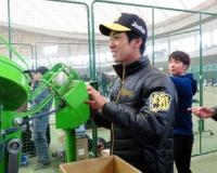 【阪神】小野&尾仲がイベント出演 FA加入の西に対抗心「負けないようにしたい」