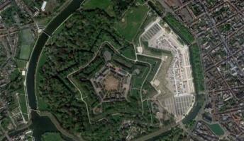 Google mapで見つけた変な地形、興味深い地形がこちら