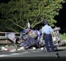 車が欄干に衝突 5人死亡 奈良明日香