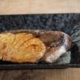 【魚レシピ】ブリのにんにく照り焼き