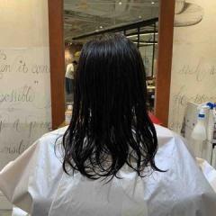 表参道 神宮前 東京都内で美髪パーマが得意な美容室ミンクス原宿 須永健次 人気のセミディに大人なナチュラルパーマをかけてみました。しっかりかかる様にクリープパーマで☆