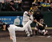 【阪神】近本 第1打席で151安打目 長嶋茂雄のセ記録へあと「2」