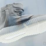 『2/14 発売予定 adidas YEEZY BOOST』の画像
