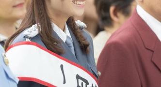 【悲報】宇垣美里アナ、キスマークがついた状態で1日警察署長に