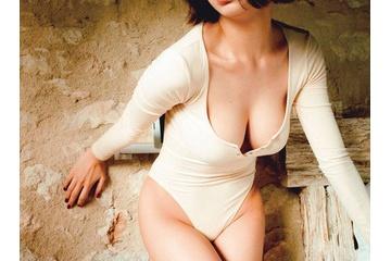池田エライザという乳首見え寸前のエロおっぱいでのし上がった女