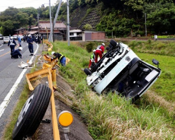 山口・下関市で長門高校のバスが転落した事故の現場がヤバイ(画像あり)