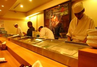 【ゆとりw】ワイ「寿司屋いくぞ」ゆとり部下「はい!」