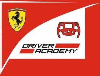 【朗報】フェラーリさん、16歳の美少女をF1の育成ドライバーとして契約wwwwwwwwww