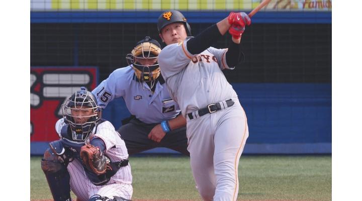 巨人・岡本和真(OPS1.414)さん、うっかりサードの守備も球界一になってしまう…