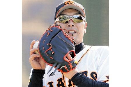 一塁へコンバートの巨人・阿部、「4番・一塁」で全試合出場を誓う alt=