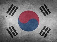 韓国「国産フッ化水素の開発に成功した!品質検証できる技術者居ないけど使っちゃえ!」⇒ とんでもない事態にwwwww