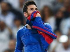 クラシコでも異常な活躍のメッシはサッカー史上最高!?英紙がペレ、マラドーナをも超えたかと議論!