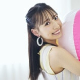 『[Ray_WEB] 鈴木瞳美、ガーリーなプライベートとユニークな回答のギャップに注目♡【ノイミー】』の画像