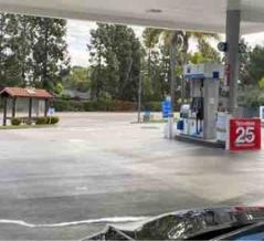 私だけ…だったね、ガソリンスタンド