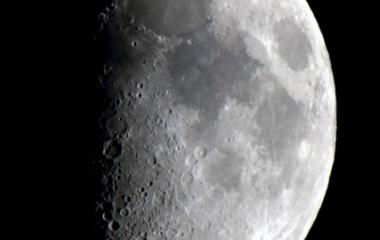 『上弦の月(月齢7.0)&月面Xが見えた!』の画像