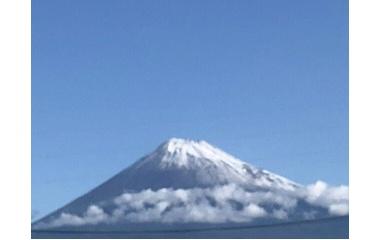 『今朝の富士山→「え!?雪降ったんだ!」』の画像