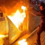 【動画】香港デモ、暴徒が「放火」までやらかす事態!もはや一線を越えてしまったか [海外]