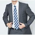 なんで社員は炎天下でもスーツ平気なの?