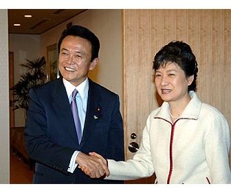 朴槿恵氏「独メルケル首相の経済・外交路線が私のものと類似、心が通じ合うようだ」