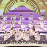 『【乃木坂46】紅白歌合戦、振りを間違えてるメンバーが!!!!!!』の画像