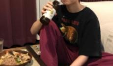"""【元乃木坂46】伊藤万理華さん、美味しそうに""""ビール""""を飲む!"""