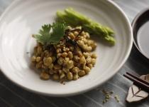 お土産で藁の納豆貰ったんやが食べ方が分からない