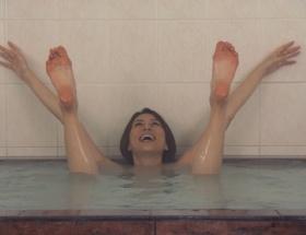 女優、米倉涼子さん、主演ドラマで意味深なポーズwwwwwwwwww