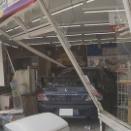 コンビニに車カスのランエボが突っ込んで2人怪我。「タイヤが滑った」 大阪