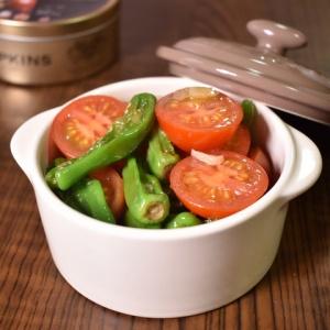 寒い時期には嬉しい♪しし唐とミニトマトの温サラダ