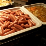 『ホテルの朝食バイキングでウインナー68本くらい食べたら怒られた』の画像