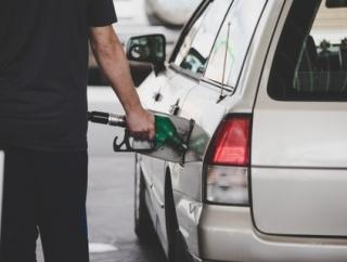2060年俺「レギュラー満タンで」 店員「リッター2000円ね、あと来月からうちガソリンやめるから」